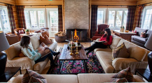 Storfjord Hotel captures the Norwegian cozy cabin feel, but with luxury service. Photo: Evy Andersen