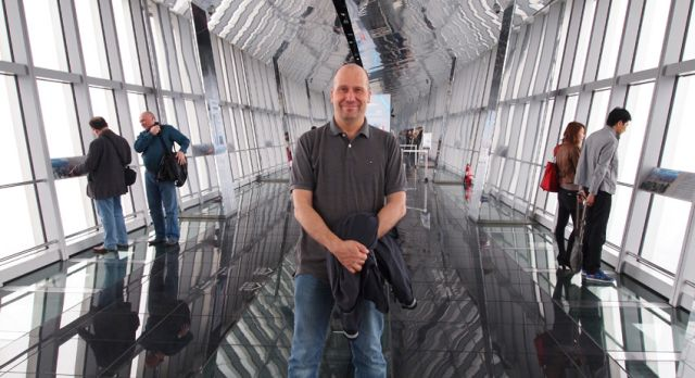 Me at the Shanghai World Financial Center. A glass floor enables you to look down! Photo: Björn Lundström
