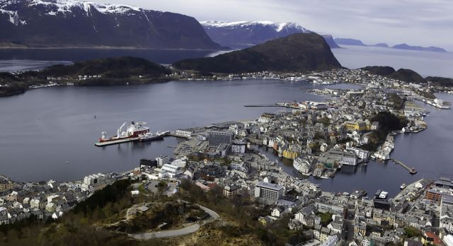 From Mount Aksla you can look down on Ålesund. Photo: Evy Andersen