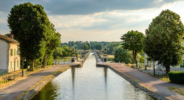 The town of Briare is famous for the 662m-long aqueduct