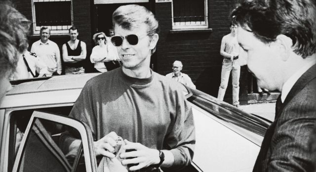 David Bowie arrives in Brixton, south London, in October 1989. Photo: Gettyimages