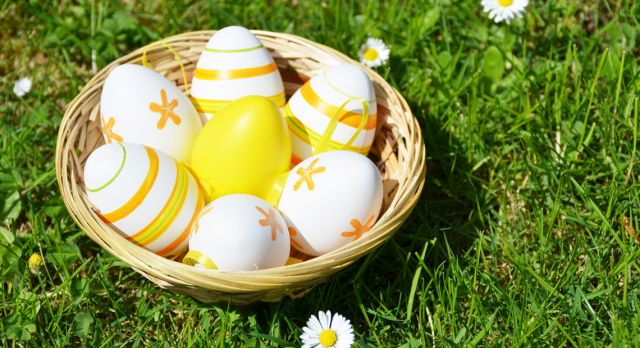 Painted eggs is a common sight at Easter. Photo: Shutterstock