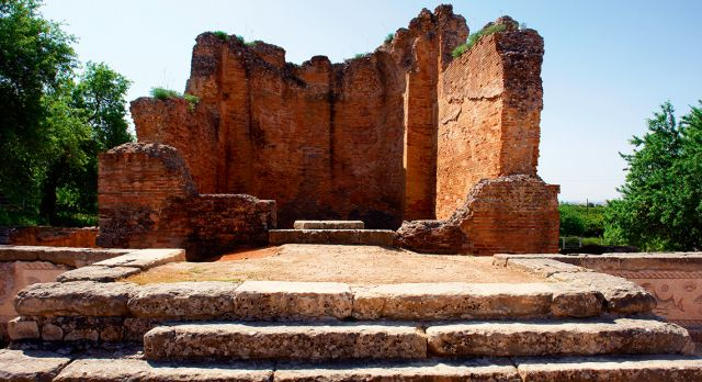 Milreu is home to what is considered to be the best collection of Roman ruins found on the Algarve.