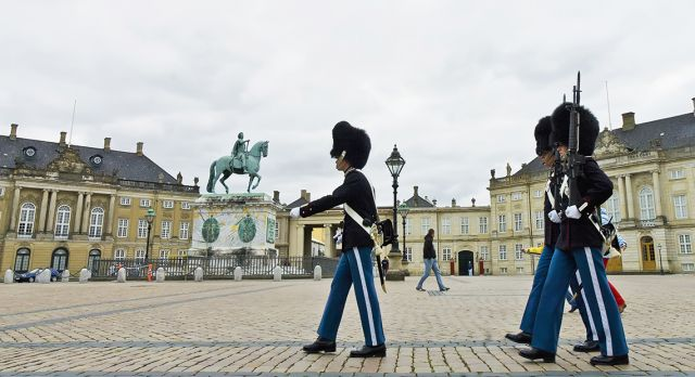 Every day at noon you can watch the Royal Guard change watch outside Amalienborg. Photo: Shutterstock