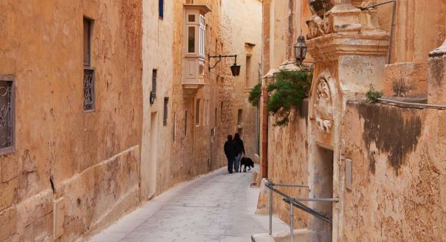 One excursion that is suitable for both parents and energetic children is the former capital of Mdina. Photo: Shutterstock