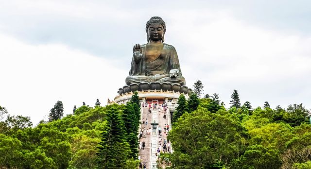 Take the 268 steps up to the 34-m tall Buddha at Ngong Ping Plateau. Photo: Shutterstock