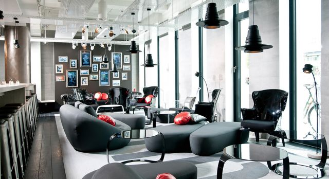 The lobby of ONE80° in Berlin.