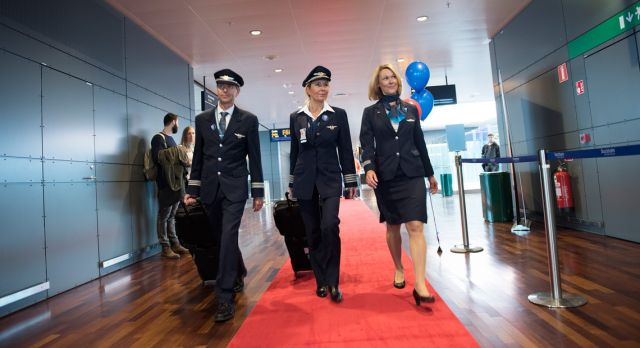 Red carpet is rolled out and an expectant crew are heading for the flight. It is time for the premiere!