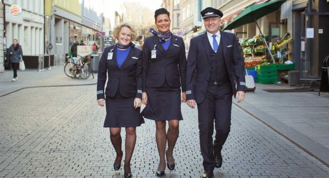Air purser Marianne Os Sanden, stewardess Mette Magnussen and air purser Andreas Bergin Bastesen of SAS have raised millions of kroner for SOS Children's Villages. Photo: Pernille Brekke Hansen