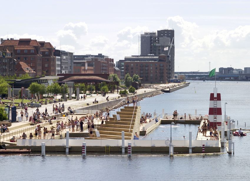 Urban swimming at Islands Brygge. Photo: Nicolaj Perjesi/visitcopenhagen
