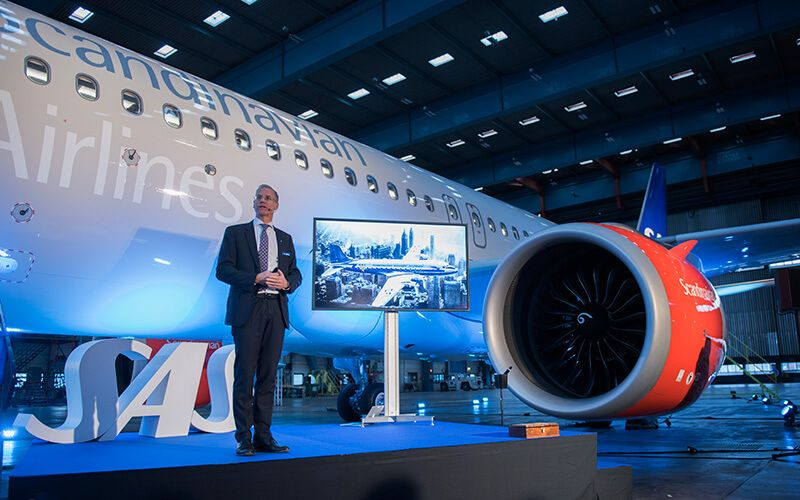 Rickard Gustafson, President and CEO of SAS in front of the first Airbus A320neo. Photo: Nicklas Gustafsson