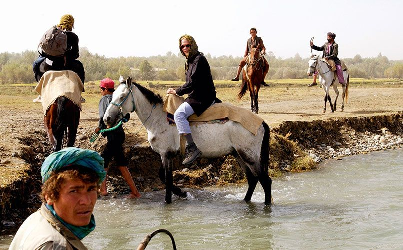 With the War on -Terror in full swing in 2001, Åsne Seierstad, in Afghanistan reporting for Dagbladet, took a horseback route to reach the Northern Alliance's stronghold. Photo: IBL