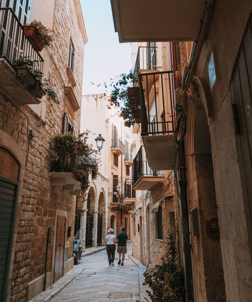 Take a walk in the lovely alleys of old parts of Bari. Foto: Chiara Magi