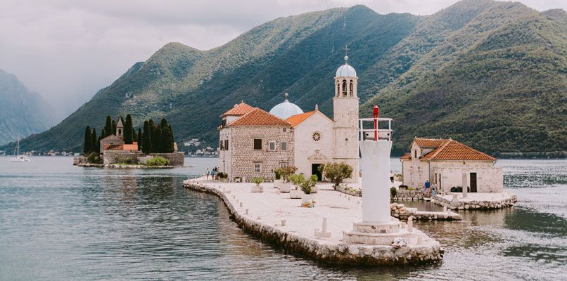 Visitors of Perast can enjoy the view over the water and the nearby islands. Photo: Kirill Shevtsov