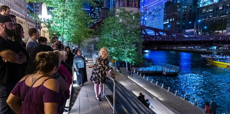 Ursula Bielski leads a tour around Chicago. Photo: Scott Thompson