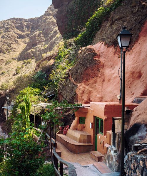 A cave-house in the valley of Guayadeque, near the village of Agüimes. Photo: Clèment Morin