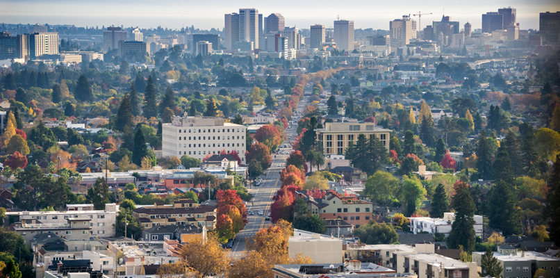 On the other side of the bridge you will find Oakland. Photo: Shutterstock