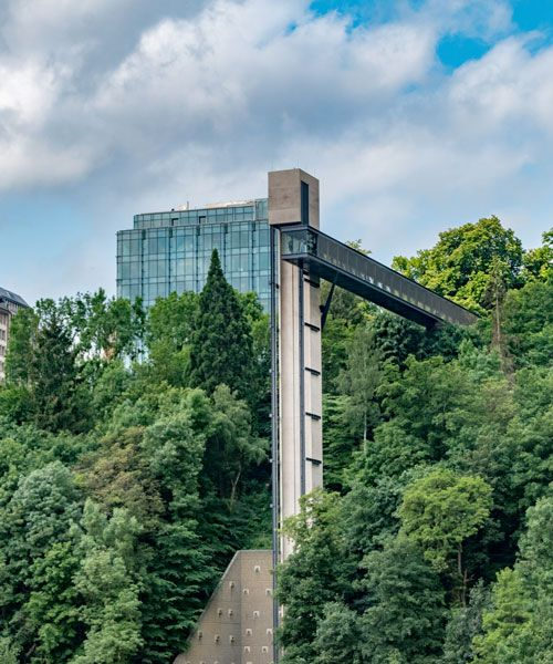 Pfaffenthalhissen is a public elevator in Luxemburg, located in the Pescatore park. Photo: Shutterstock