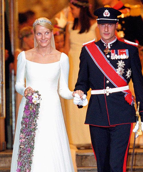 Norway's Crown Princess Mette-Marit chose a simple silhouette for her wedding gown. Photo: Getty Images