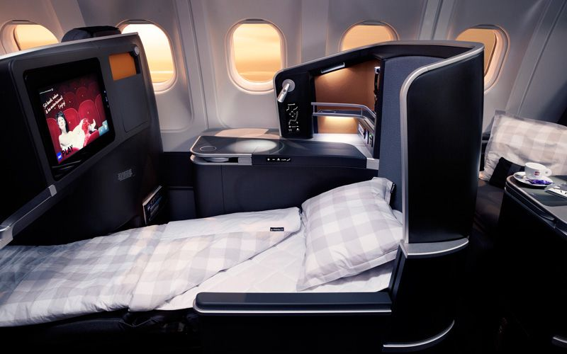 Enjoy the fully reclined seat with Hästens mattress in SAS Business class.