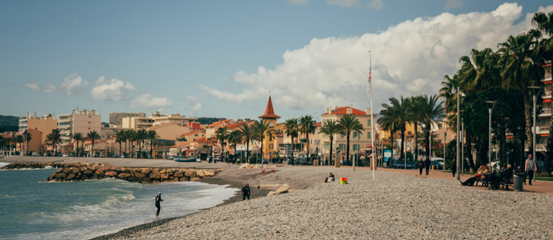 The pebbled beach in Cros-de-Cagnes. Photo: Clément Morin