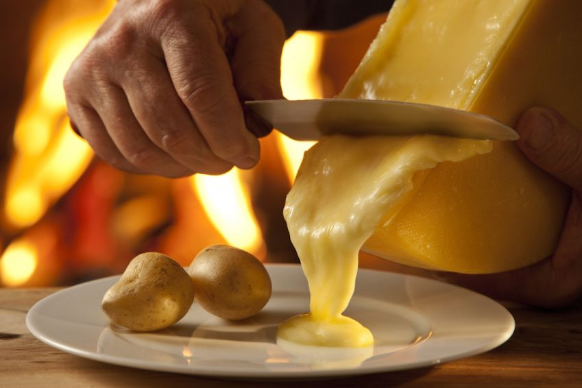 Smält ost och potatis - en gyllene kombination. Foto: Switzerland Cheese Marketing AG.