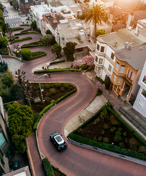 Lombard Street with it's curves is one the most known roads in the world. Photo: Shutterstock