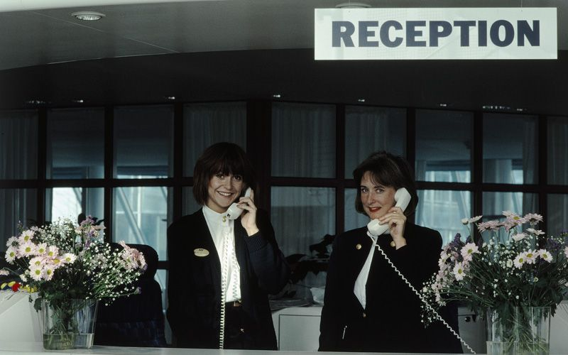 The front desk at Frösundavik in March 1989.