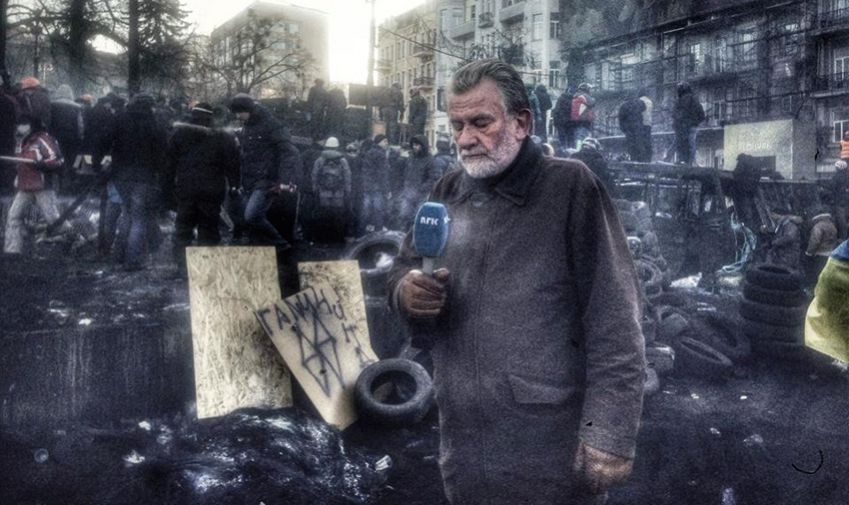 One of Hans-Wilhelm Steinfeld's last NRK assignments was to cover the situation in Ukraine in 2014. In the photo, he's deep in thought, getting ready to do what he did best: bring the news to a nation.