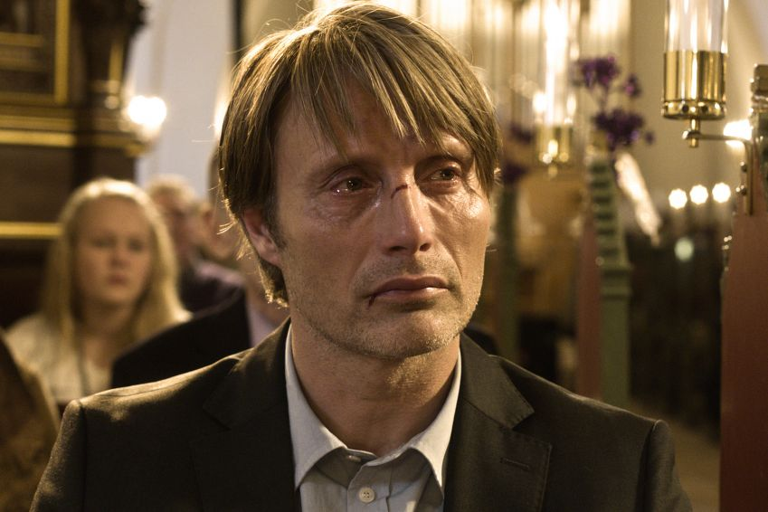 Lucas (Mads Mikkelsen), who is accused of being a pedophile and is subsequently ostracized by the local community, is partly filmed in Gadstrup near Roskilde. Photo: Charlotte Bruus Christensen/DFI