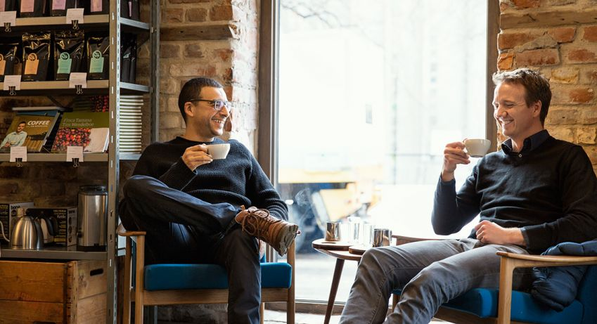 Hicham Boudden and Nikolai Hamre enjoy a coffee at Tim Wendelboe in Grünerløkka. Photo: Hans Fredrik Asbjørnsen