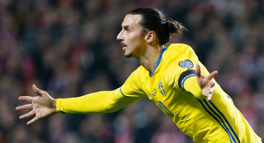 Zlatan doing what Zlatan does best: Scoring goals. The big man will have to carry an entire nation this summer. Photo: Getty Images
