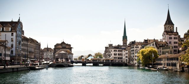 Lounge by the lake - City Guide Zurich